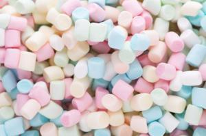 Mini marshmallow gekleurd 100 gram